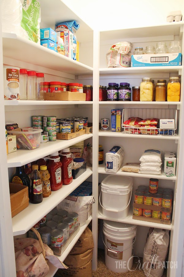 ... still empty shelves in here and I cleaned out all the food from the  kitchen cupboards and one shelf from the linen closet that's next to the  pantry in ...