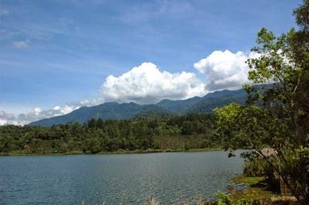 Danau Tes : wisata alam di bengkulu yang memukau