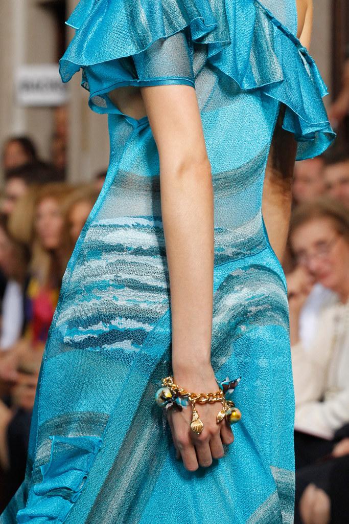 details-bracelets-fashion