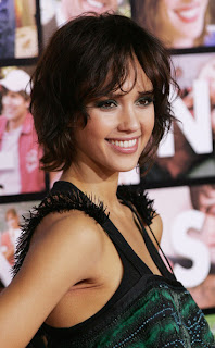 Jessica Alba Bob Haircuts with wavy Layers