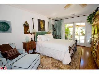 bed Coolest House on Caravan! 2252 Linnington Ave   Westwood