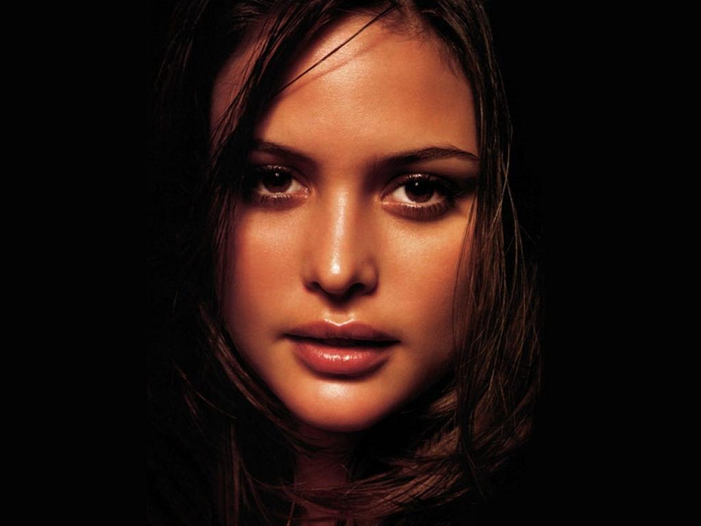 http://4.bp.blogspot.com/-87OQzMq9m74/TebiI1YwYdI/AAAAAAAANy8/y6JEe4JPEhs/s1600/celebrities_382.jpg