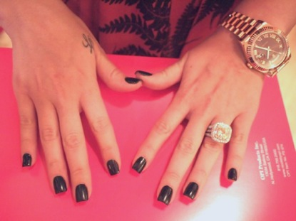 Kourtney Kardashian Ring On Middle Finger