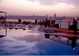 sozbir-royal-hotel-pool-with-sea-view-in-istanbul