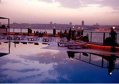 uskudar-sunset-view-outdoor-swimming-pool-hotel