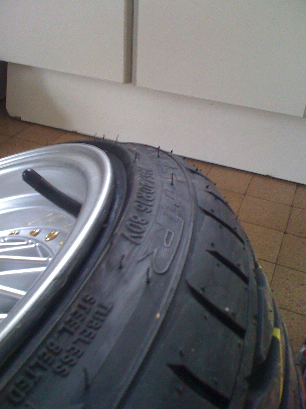 E21 Dub Club New Low Pro Tyres Toyo T1r Stretching