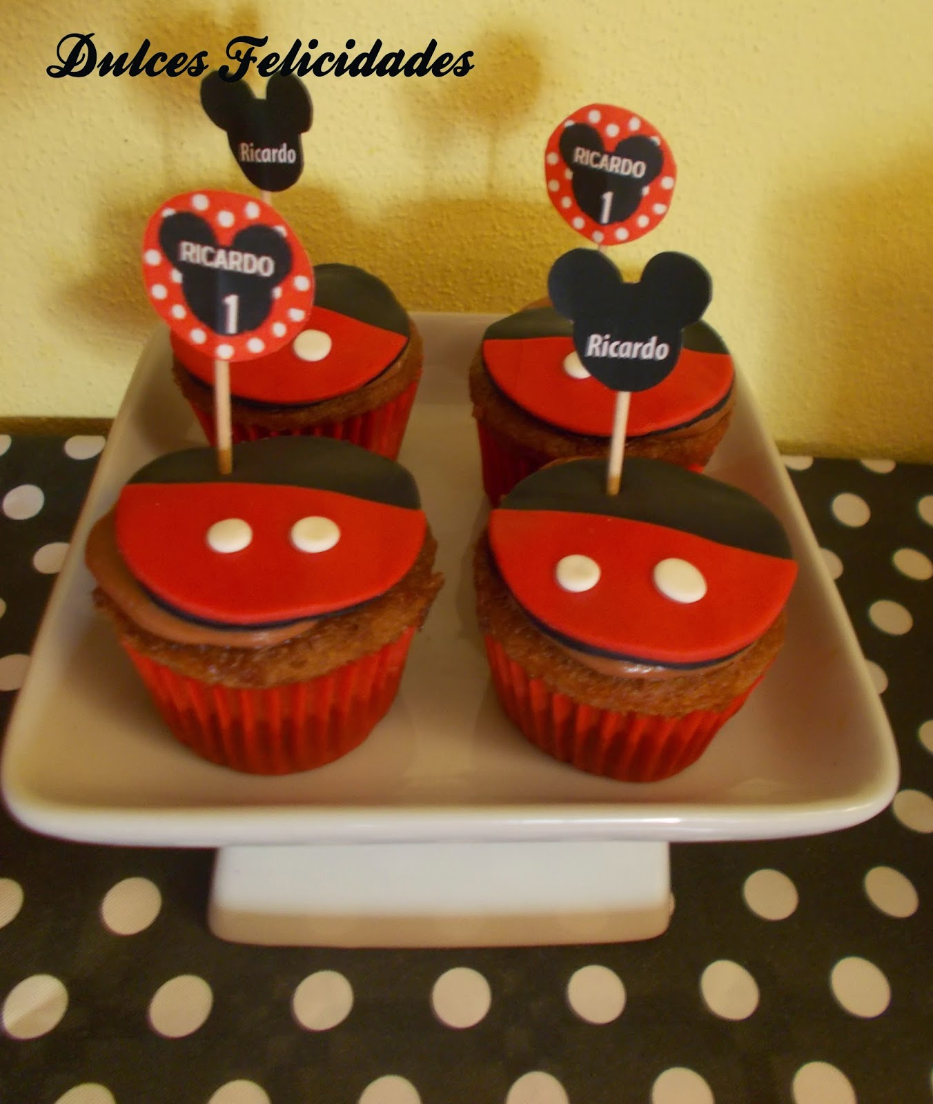 Cupcakes Mickey Mouse fondant