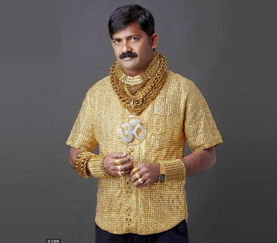 Datta berharap kemeja yang dibuat daripada emas 24 karat itu dapat membantunya memikat wanita.