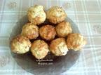 Anita-féle Sajtos muffin, egy nem sok hozzávalóból elkészíthető, egyszerű és finom sütemény.