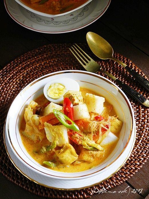 KUAH LODEH / LONTONG Singgahsana Kitchen