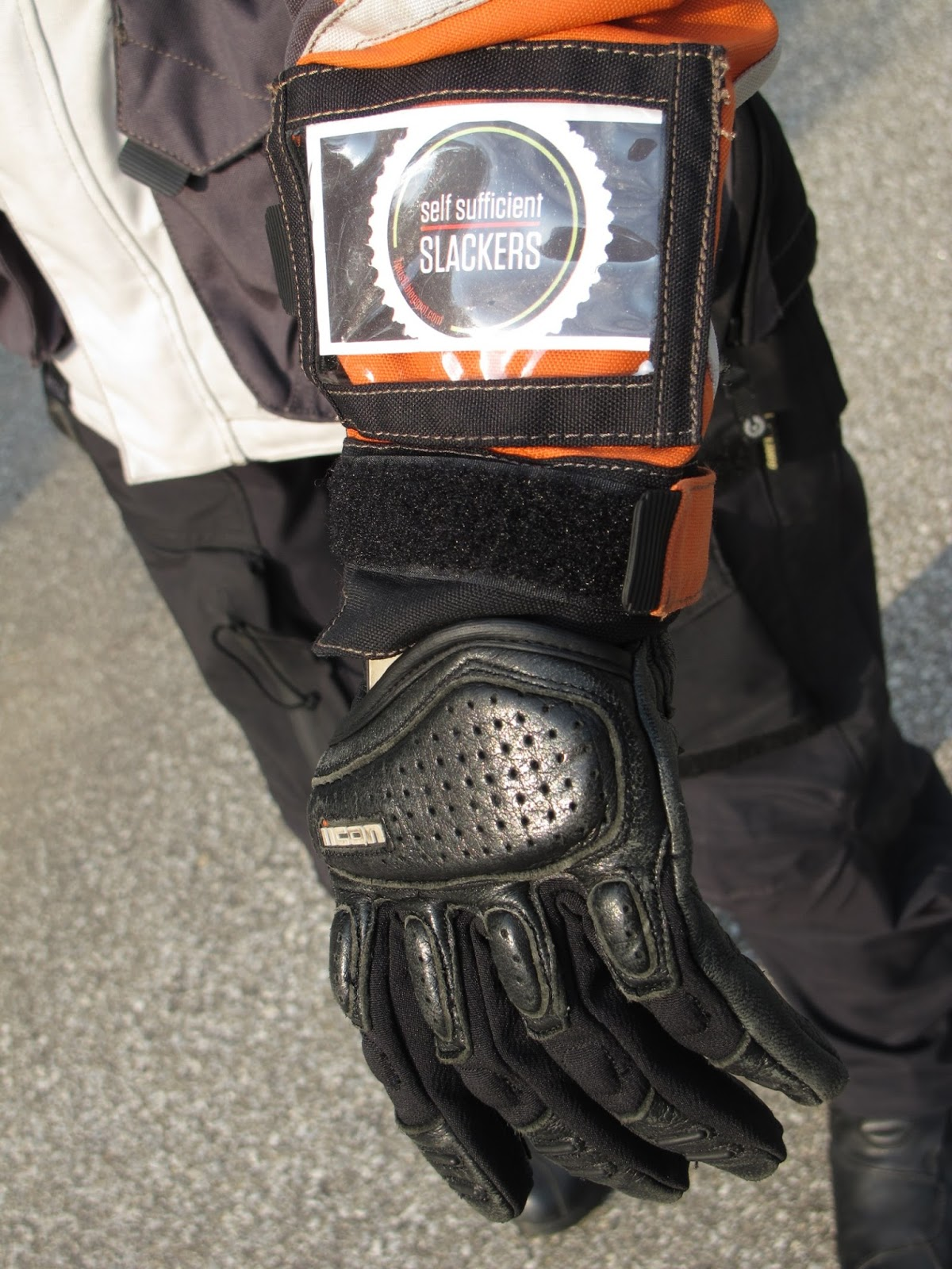 Motorcycle gloves with id pocket - Id Or Badge Pocket On The Left Forearm