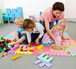 Strategi Sukses Anak Tengah Bermain Dengan Orang Tua