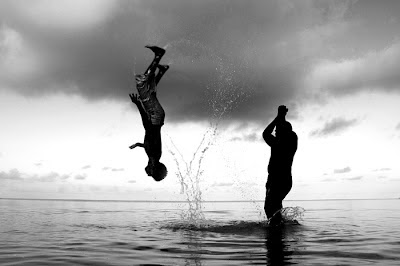 Salto mortal en el agua