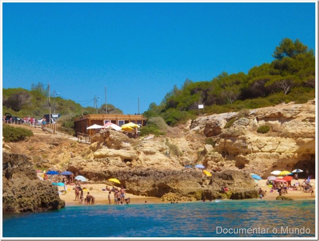 Praia de Albandeira; Praias Algarve; Férias Algarve; Grutas Marinhas; Sea Caves; Grotten Fahrt