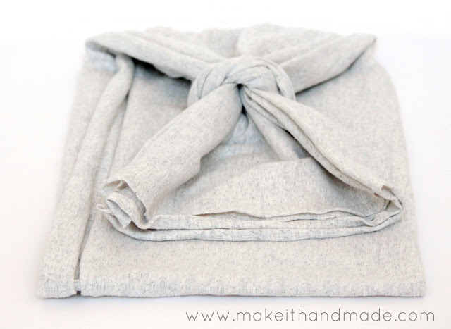 The Kita Convertible Scarf. Tutorial From Make It Handmade