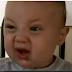 Has visto la cara de un bebé comiendo algo ácido?