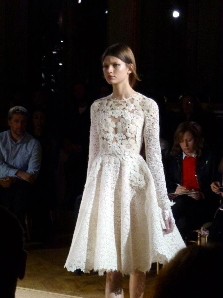 Master the art of style valentino haute couture spring 2012 for Haute couture cost