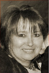 <b>Marion Ueckermann<b><br><i>South Africa<i></i></i></b></b>