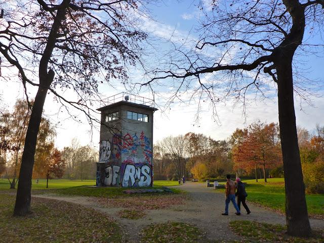 Grenzkontrollturm im 'Schlesischen Busch'