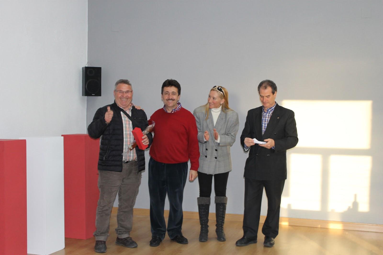 presidente del casino y concejales junto a los premiados del Villar del casino Obrero
