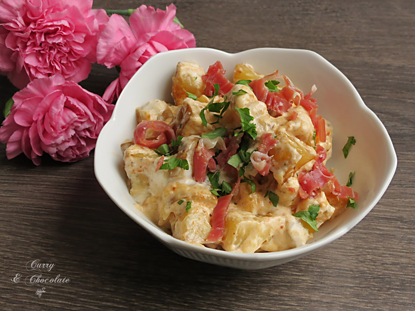 Ensalada de patatas asadas con jamón y salsa de yogur – Baked potato salad with prosciutto in a yogurt dressing