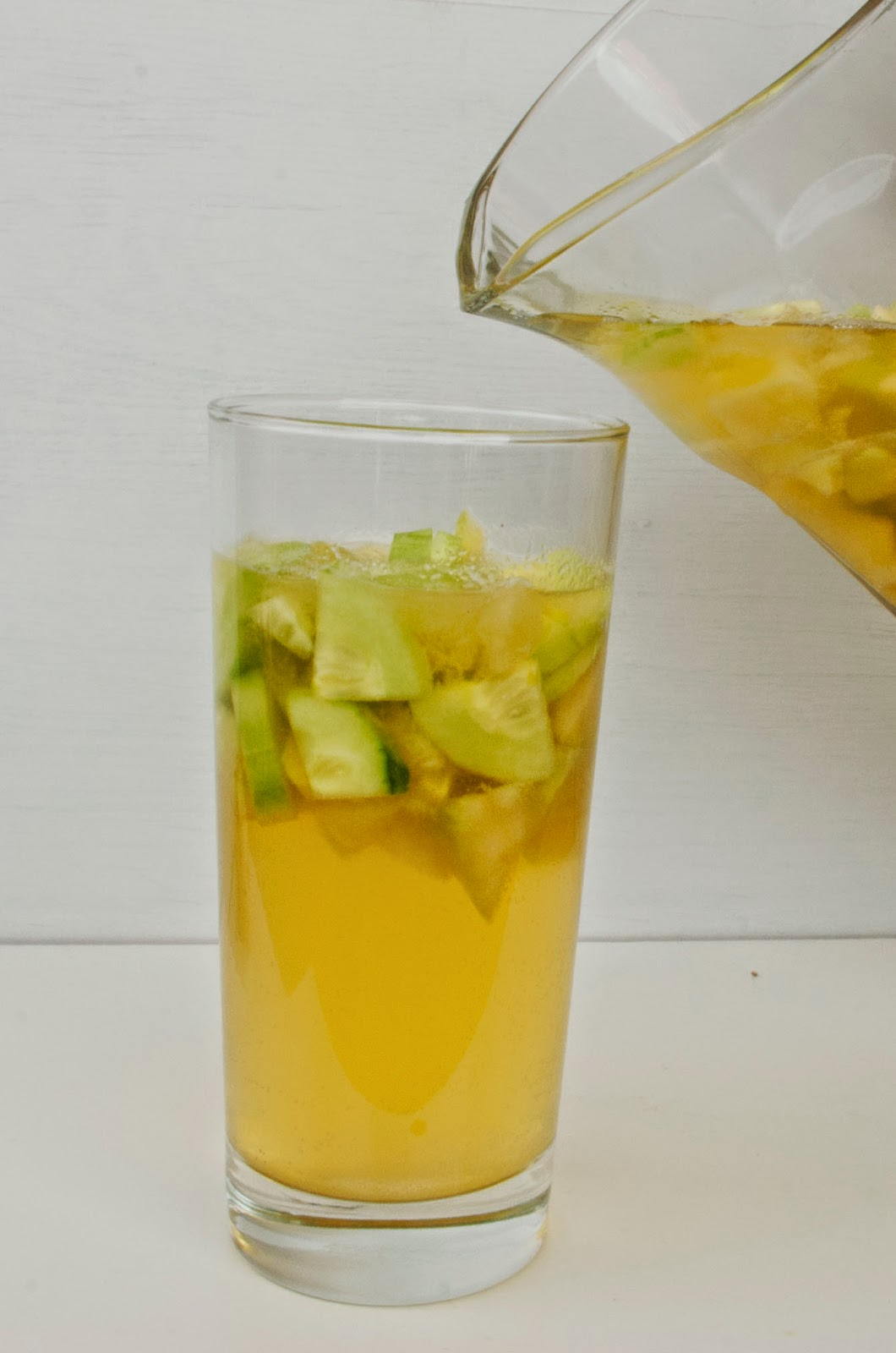 Sommer dahoam Melonen Gurken Bowle Obst daheim Drink München Minga Sommer  Lifestyle Lebensgefühl