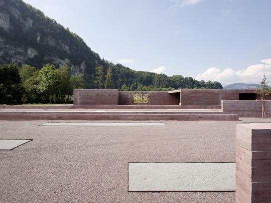 Beza Tanah Perkuburan Islam di Austria dan Malaysia