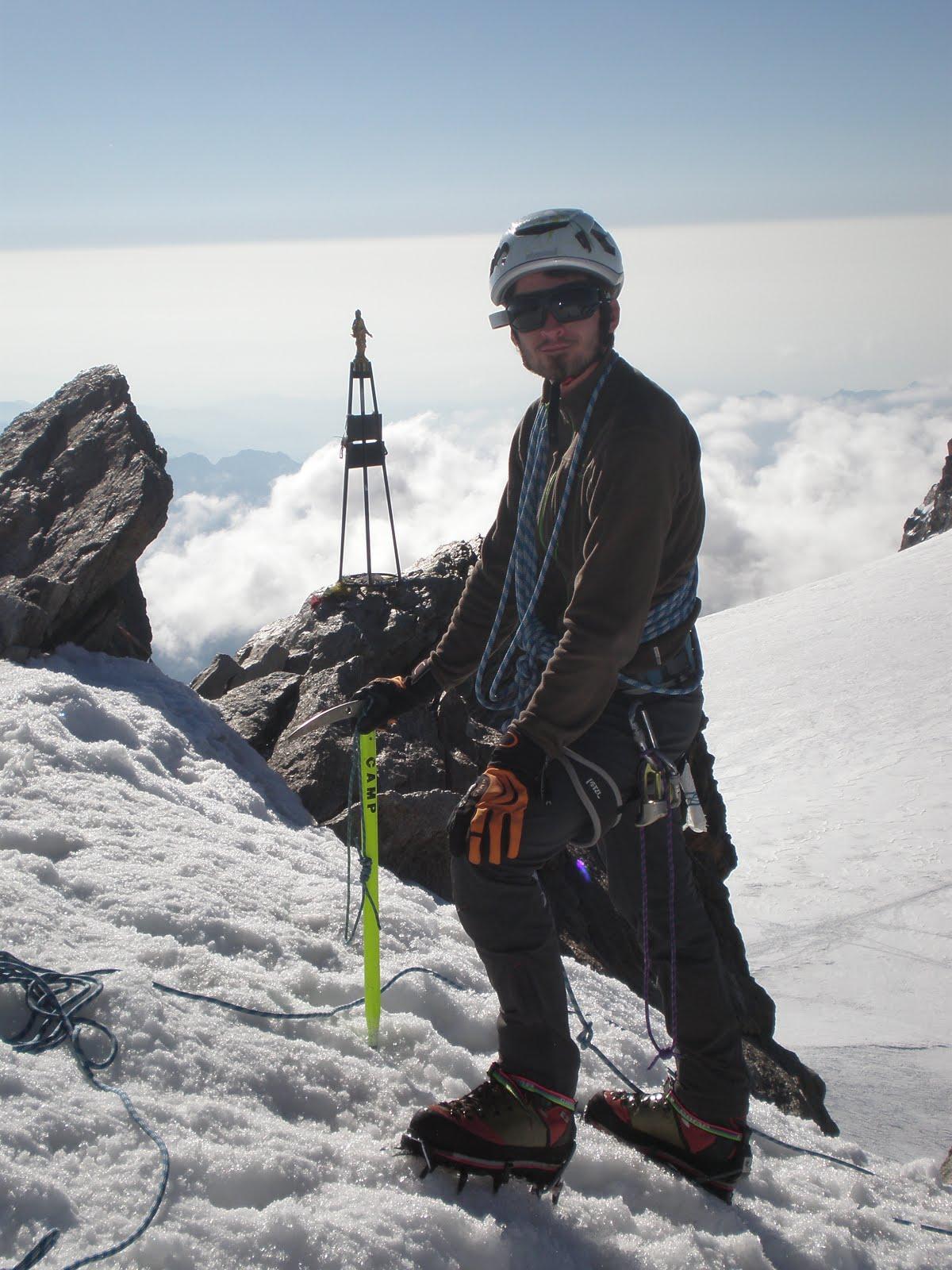 Punta Zumstein (4563 m)