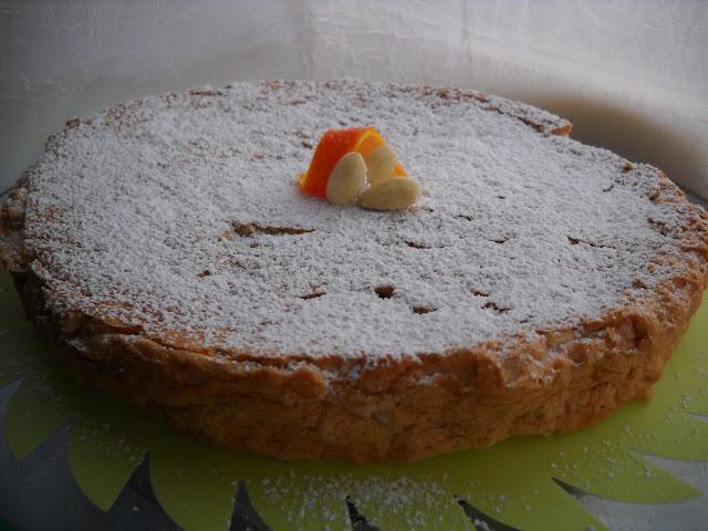 torta senza farina alle mandorle, fiori d'arancio e cannella