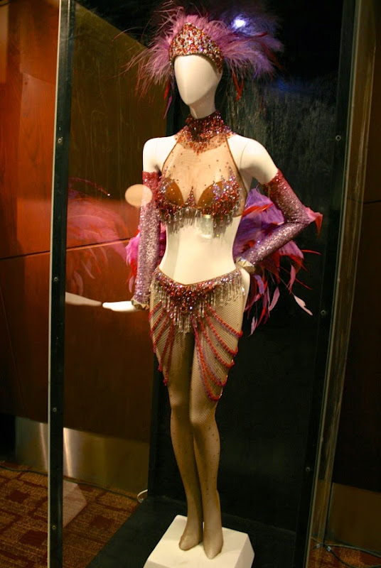 Folies Bergere Nine movie costume
