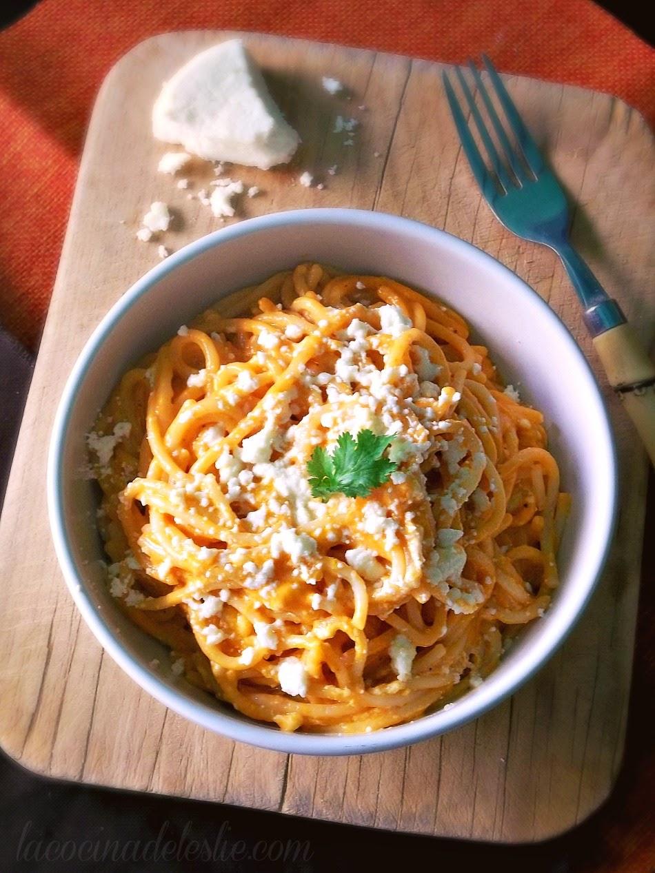 Sopa de Espagueti - lacocinadeleslie.com