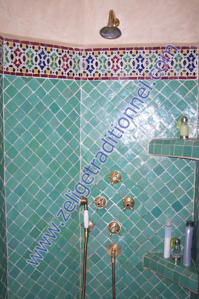 Beautiful salle de bain zellige noir photos awesome for Faience salle de bain nature
