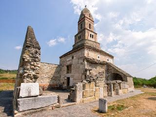 "Biserica ""Sfântul Nicolae"" din Densuș, județul Hunedoara"