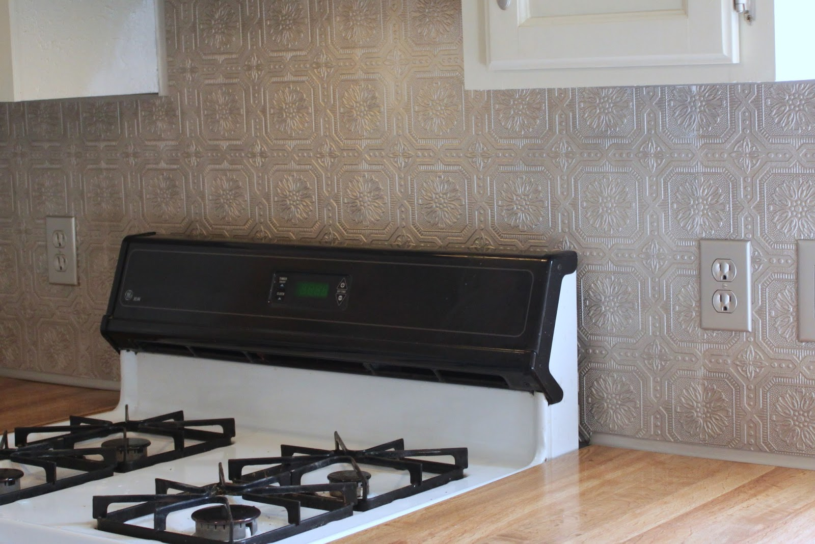 buck 39 s creations faux metal kitchen backsplash paintable wallpaper