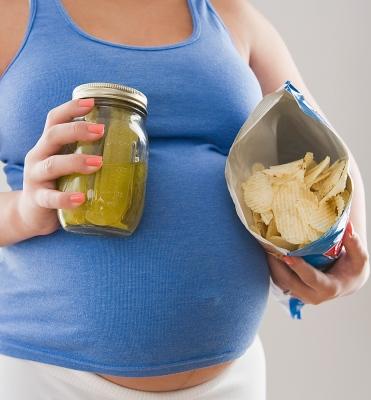 Makanan Pantangan Ibu Hamil
