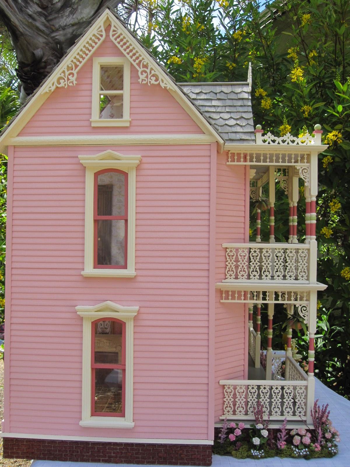 Dollhouses by Robin Carey: The Elizabeth Street Victorian Dollhouse