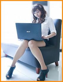 Foto Cewek Cantik Seksi bergaya ala Sekretaris