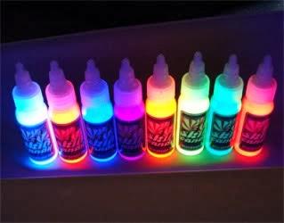 Tatuagens fluorescentes será que essa moda pega?
