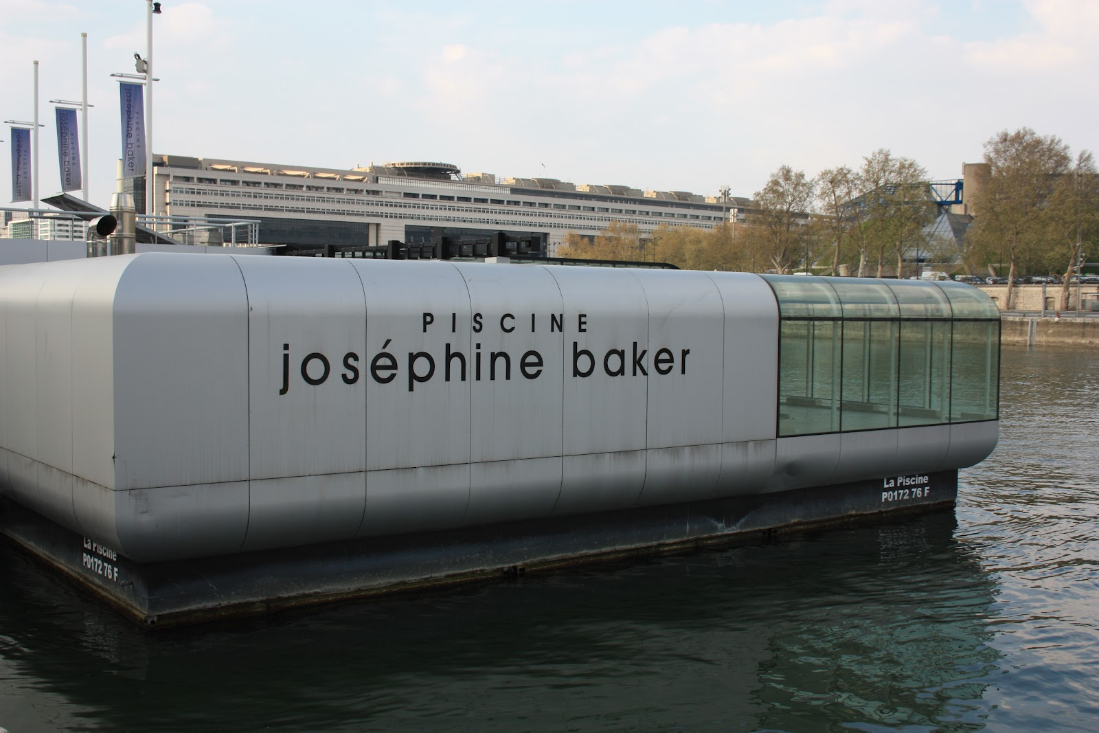 Vis le architecture urbanisme paysage patrimoine vis le voyage la piscine josephine for Piscine josephine baker