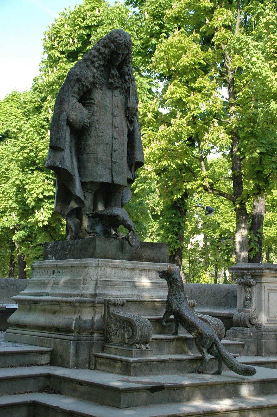 Paris and beyond square du ranelagh jean de la fontaine for Statue fontaine de jardin