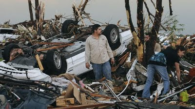 90 dead in joplin after deadliest US tornado in 60yrs