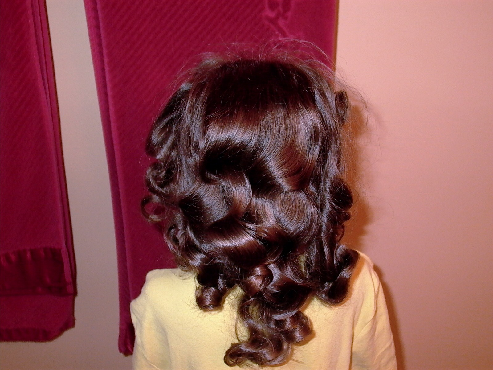 ... Girl's Hairstyles: Video Tutorial: How to use Foam or Sponge Curlers
