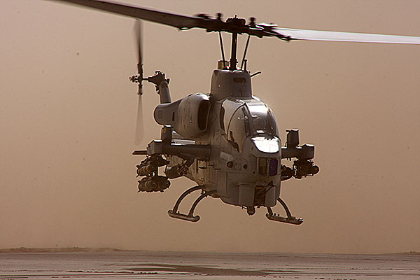 AH-1W Super Cobra Helicopter Picture