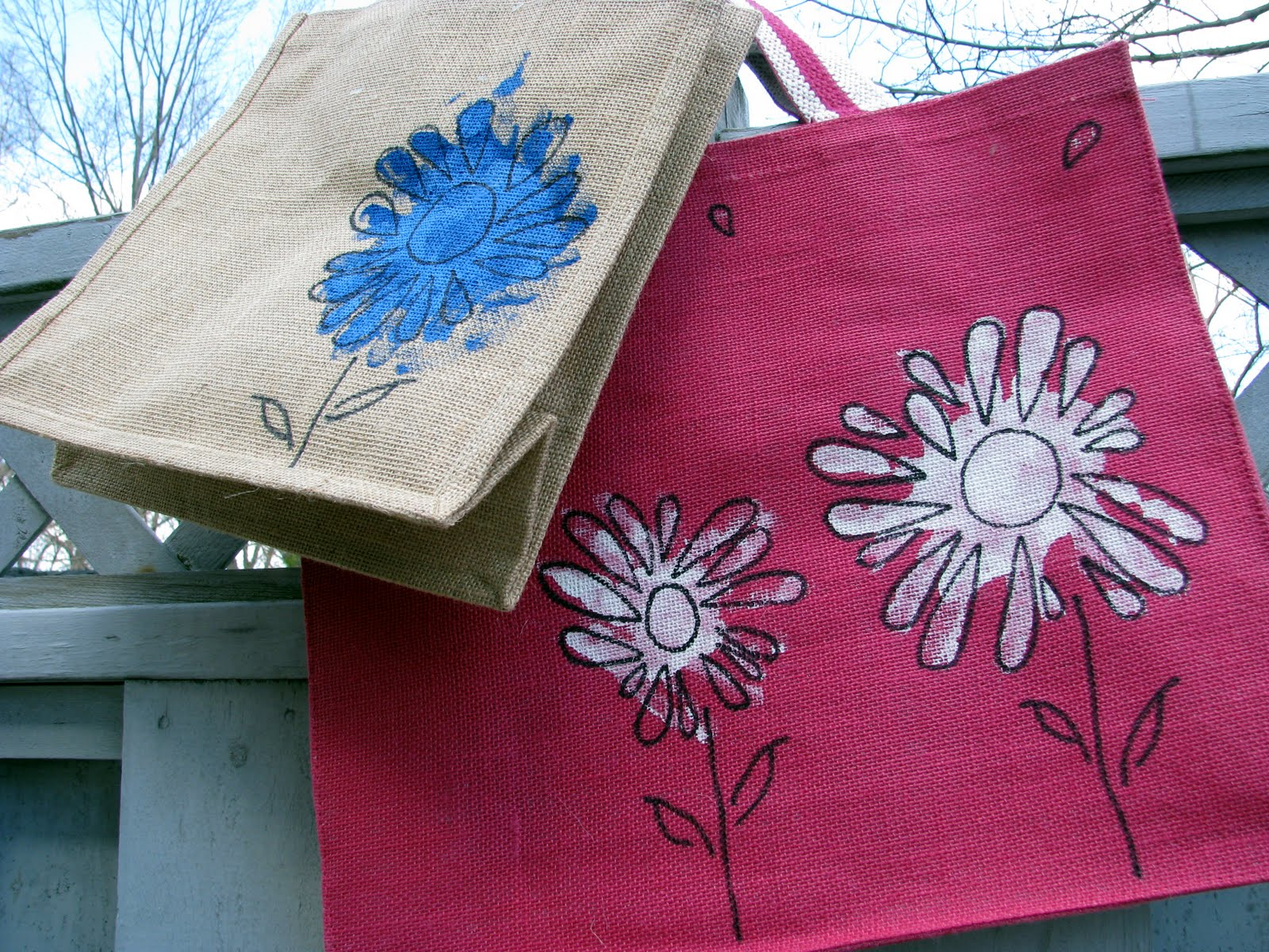 Kid Bits Craft: Handprint Flower Bags