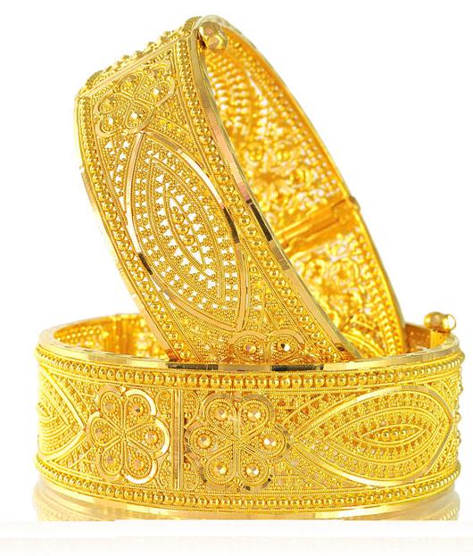 Traditional Trendy Wedding Gold Chur Design