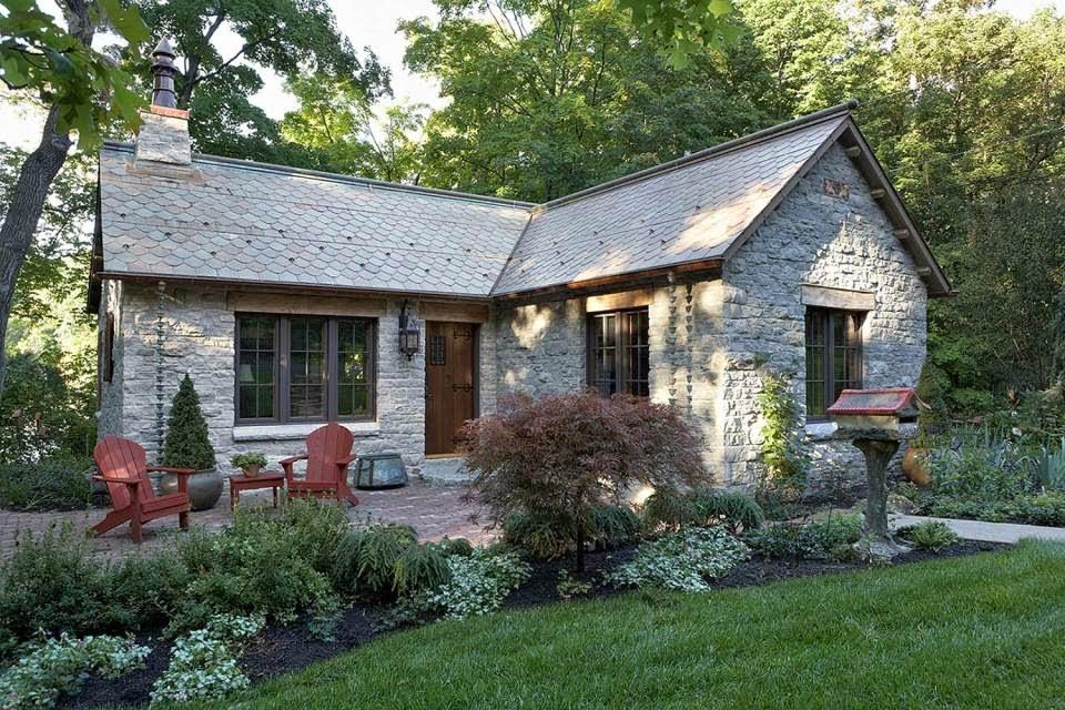 Boiserie c cottage in pietra e legno for Nuovo stile cottage in inghilterra
