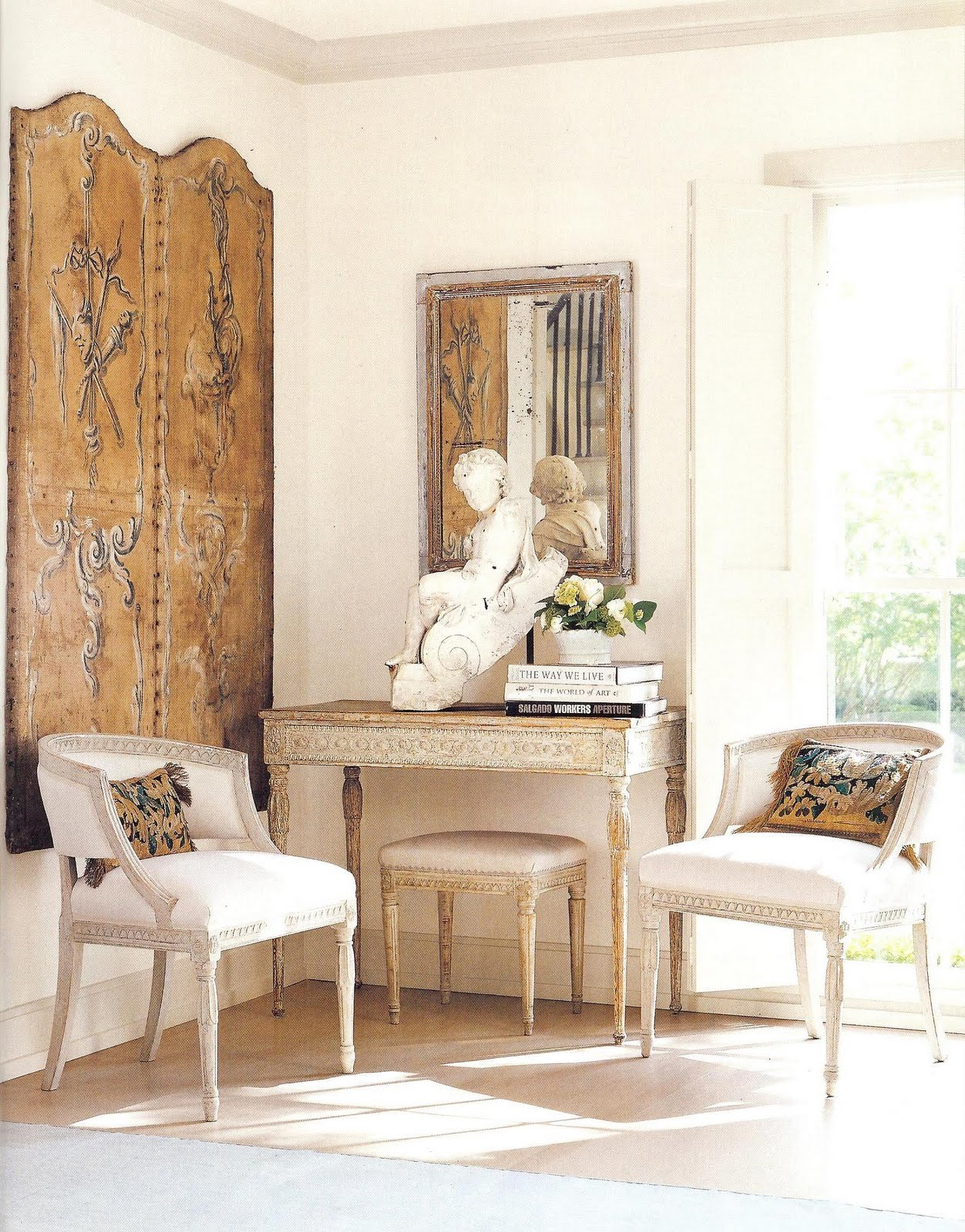 Color outside the lines tuesday inspiring spaces by jane for Veranda living rooms