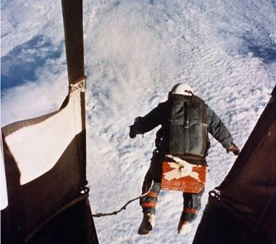بالصور: يقفز الفضاء الأرض..فشاهد ماذا