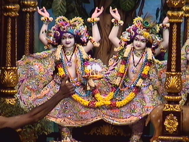 a miracle at iskcon temple chowpatty krishna