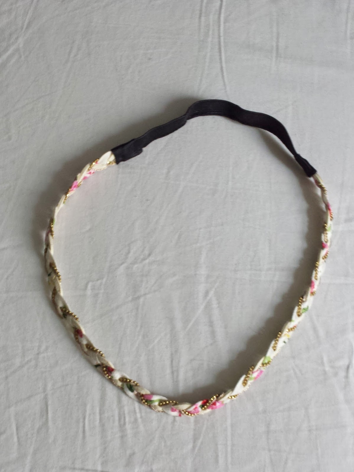 Clothes & Dreams: Self-rewarding during exams (shoplog): Claire's white and pink headband
